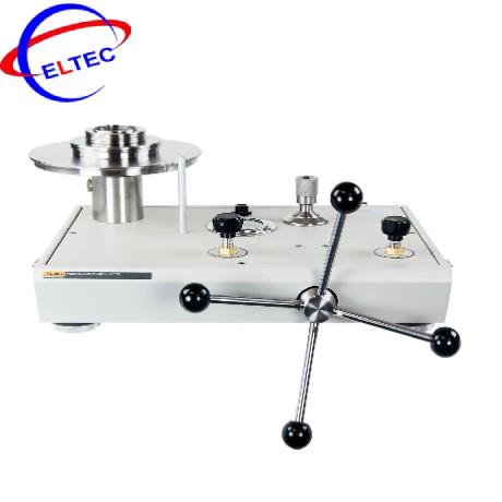 Máy hiệu chuẩn áp suất kiểu tải trọng Fluke P3031-BAR (khí hóa lỏng, 1 đến 70 bar)